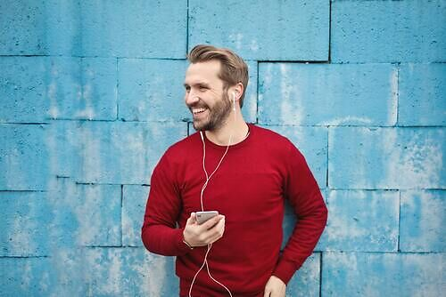 Are earphones bad for your brain